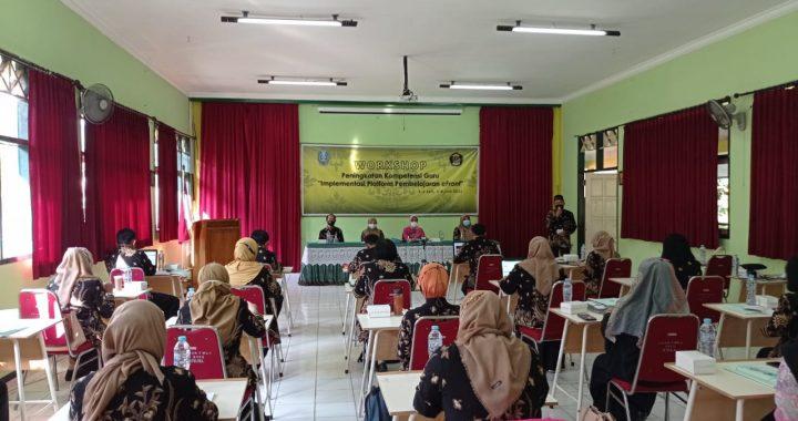 Sambut Tahun Ajaran Baru, Guru Dan Karyawan Ikuti Workshop